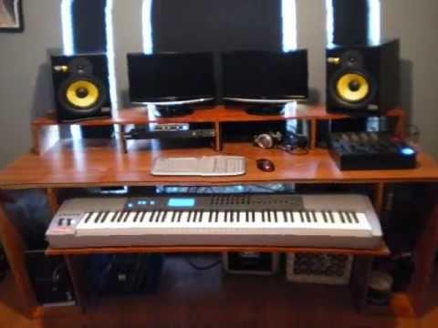 Desk With 88 Shelf